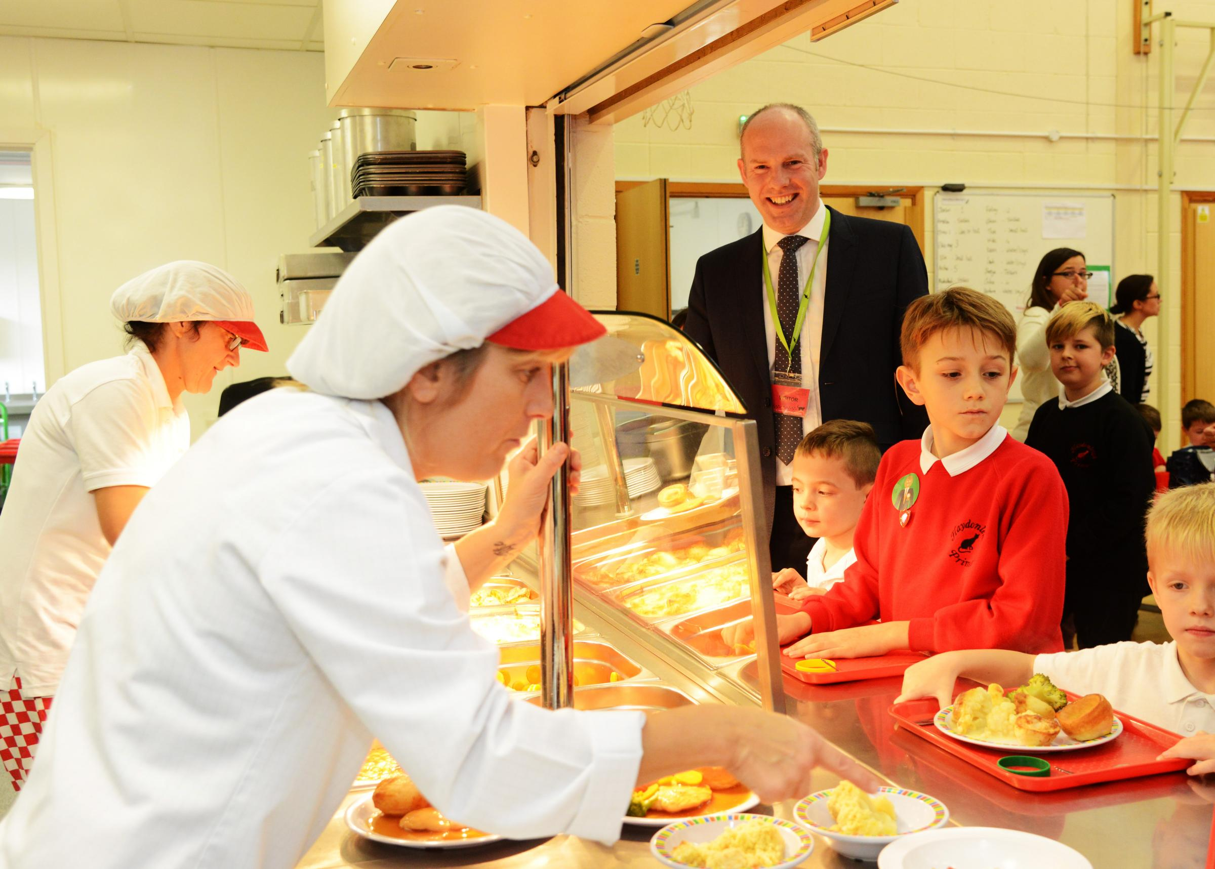 Keep children in school at lunchtime to tackle obesity, say health experts