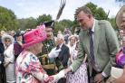 Former rugby star Doddie Weir meets Queen at garden party