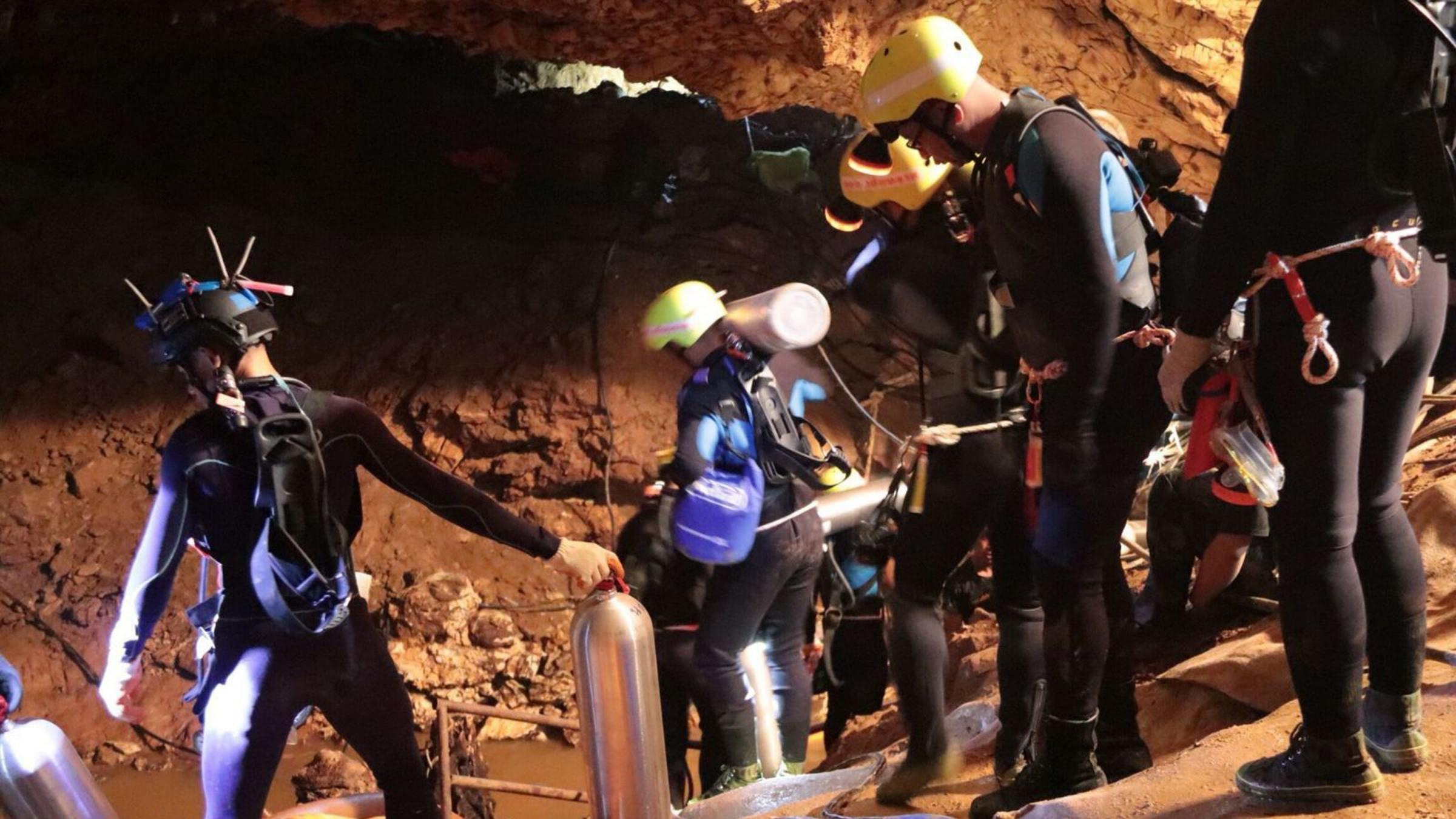 WATCH: Thai caves latest - Ambulance leaves complex as rescue bid resumes