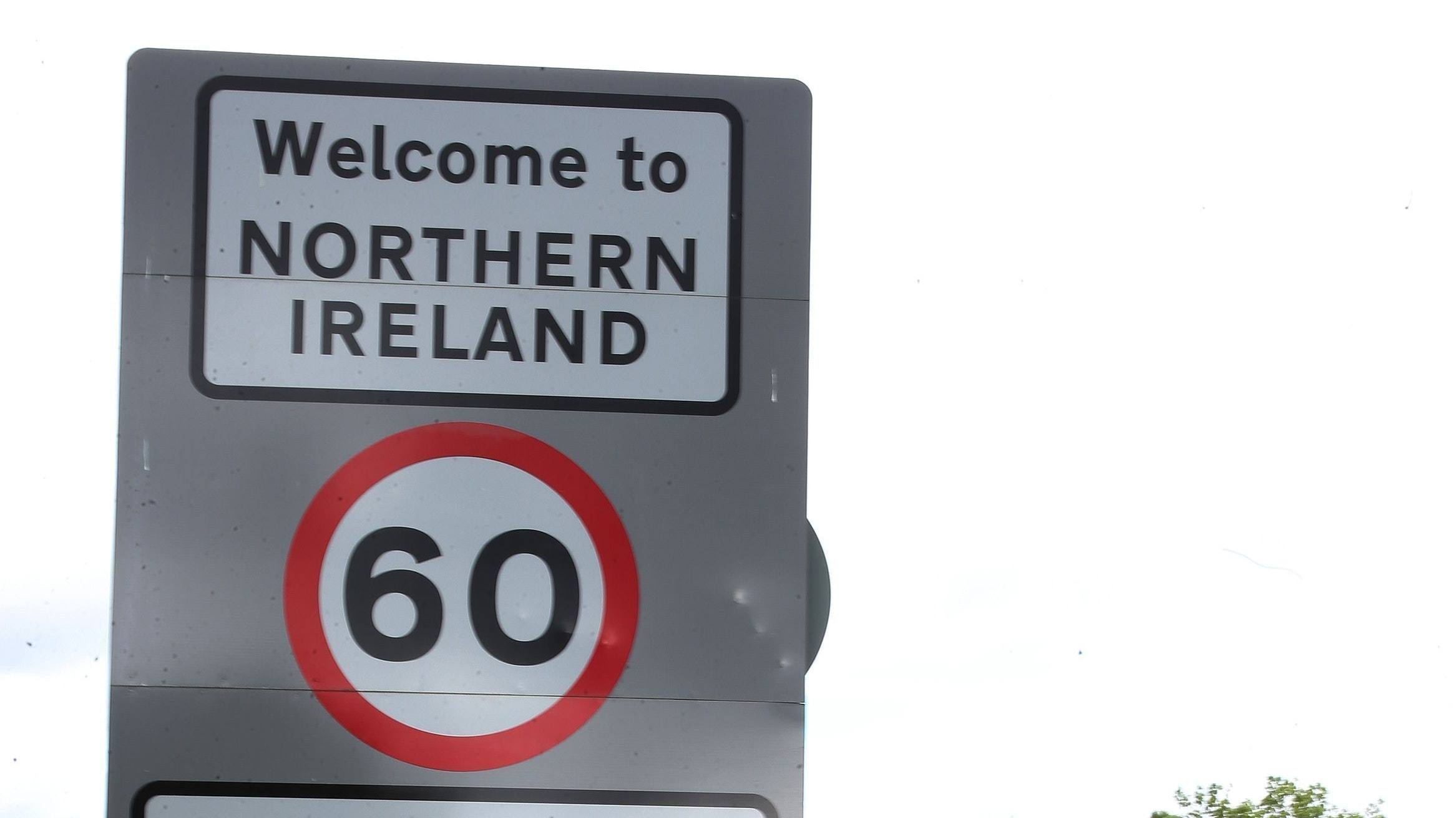 Hard border a threat to Northern Ireland peace, Irish politician warns Brexiteers